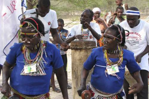 Dancing women in Zimbabwe